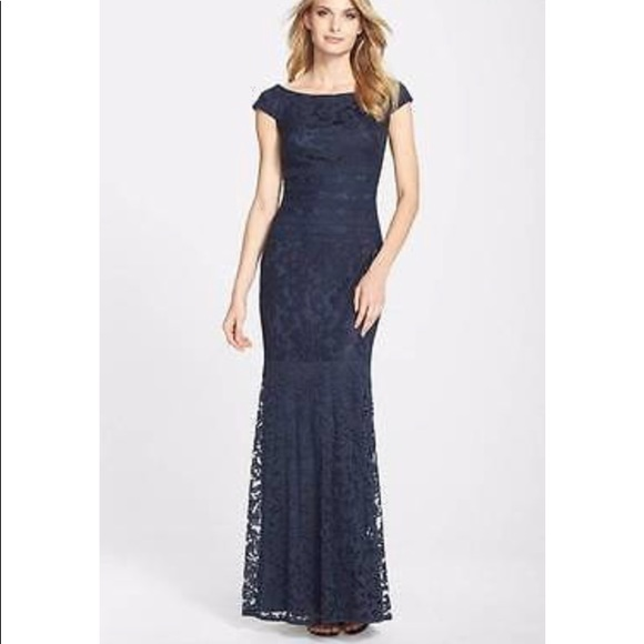 617c32e13b8 Tadashi Shoji Mother of the Bride Dress. M 5b202a2e9539f7204431398c